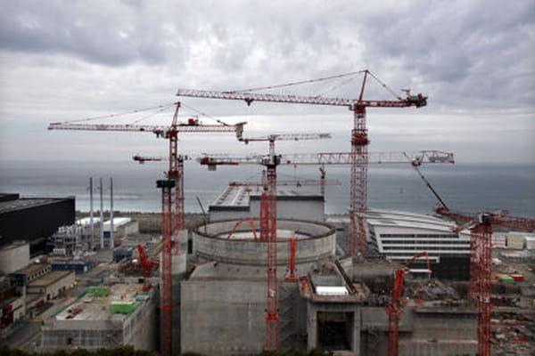 La centrale nucléaire de Flamanville située à côté du chantier de construction de l'EPR - Flamanville explosion ©ERIC DESSONS/JDD/SIPA