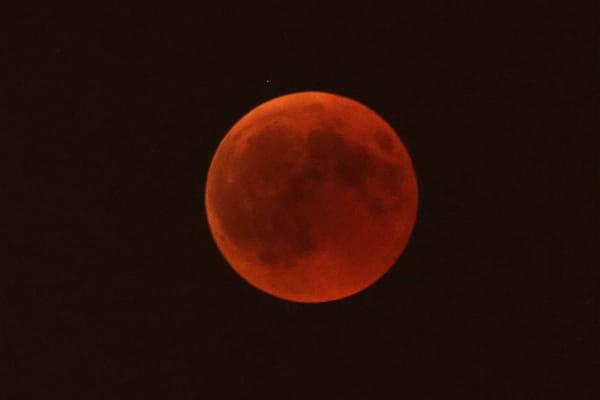 Décryptage du phénomène de Lune de sang  - Eclipse de lune 2018 ©Claude Paris/AP/SIPA
