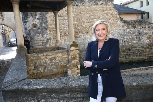 """Au Rassemblement national, """"la question migratoire passe derrière le pouvoir d'achat"""" - Marine Le Pen - Présidentielle 2022 ©"""