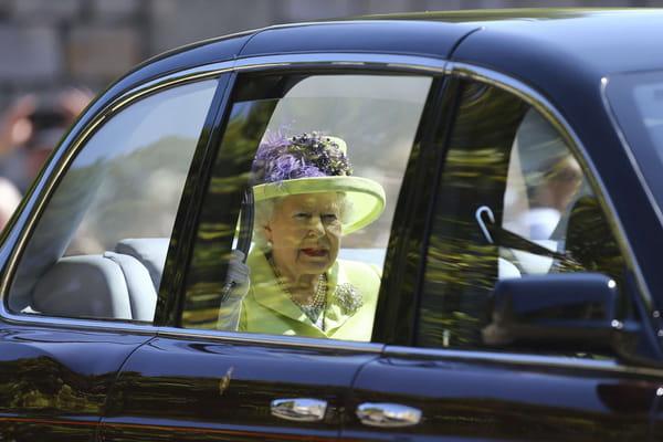 La reine Elizabeth II arrive  - Mariage prince Harry ©Gareth Fuller/AP/SIPA