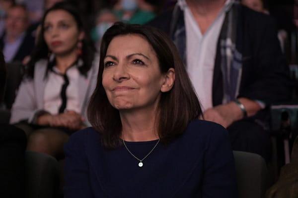 Anne Hidalgo veut revaloriser les salaires et refuse une alliance avec Jadot - Présidentielle 2022 ©